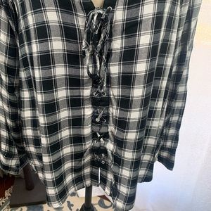 Express Tops - Express-Black n White Plaid Blouse-Large